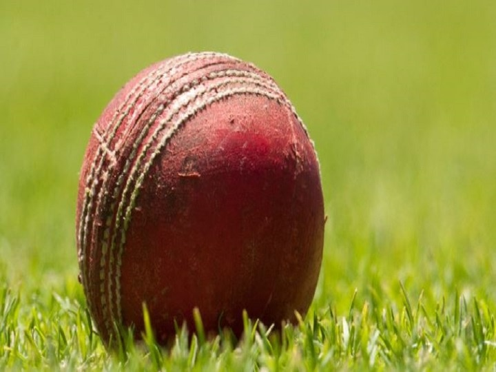 Former Ranji cricketer M Suresh kumar commit suicide at home