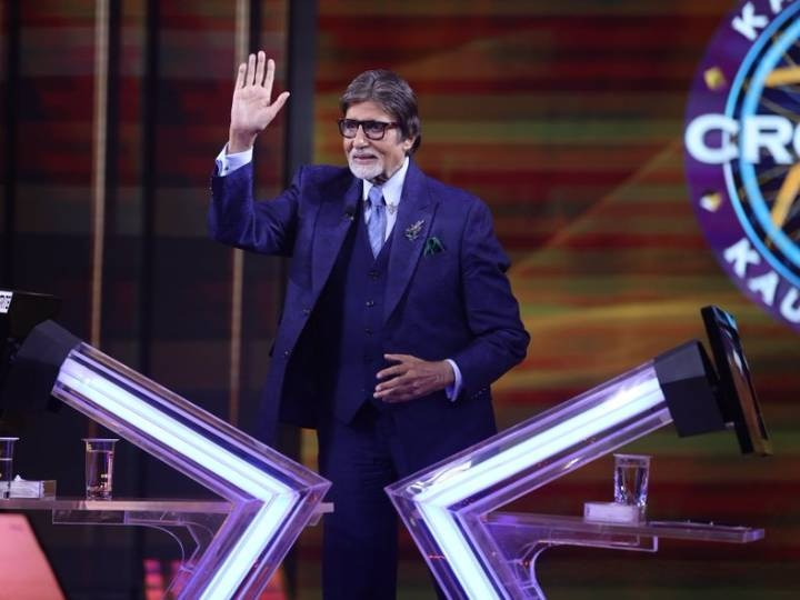 KBC 12 Amitabh bachchan Shared picture from set abhishek bachchan says its inspirational