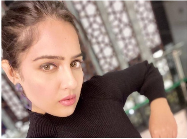 malvi malhotra serious attack by goons actress admitted to dhirubhai ambani hospital ANN