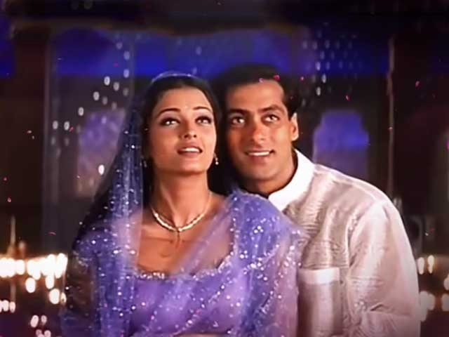 Karwa Chauth has a special connection with Hindi films these scenes have become very famous