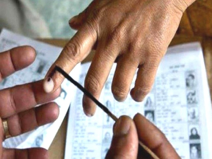 Khaskhabar/एमएलसी प्रयागराज-झाँसी खंड स्नातक चुनाव की मतगणना बुंदेलखंड
