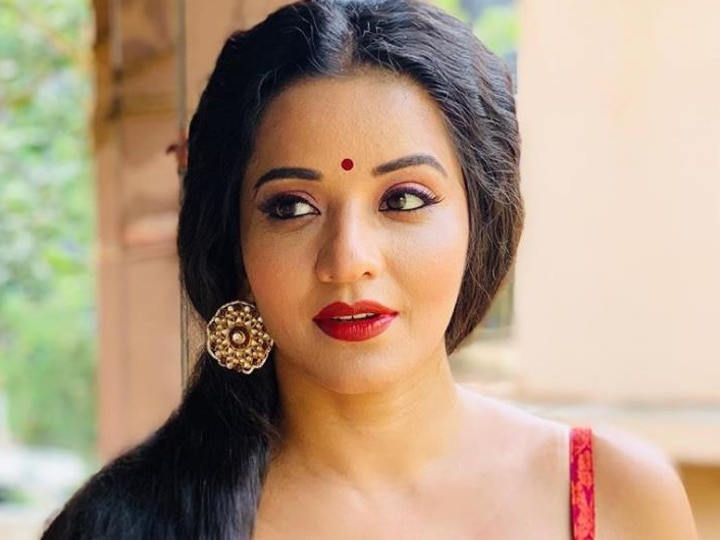 Bhojpuri actress Monalisa did a cool dance on the song of Ranveer Singh, won the hearts of the fans with her expression