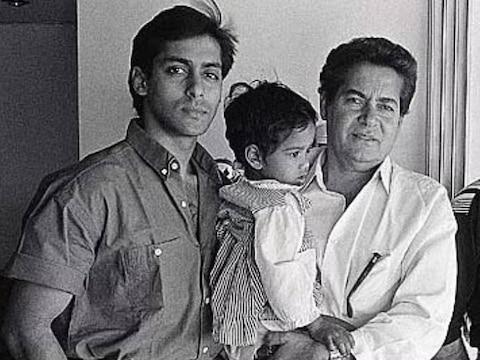 In Pics: बचपन से लेकर जवानी तक ऐसे दिखते हैं सलमान खान, अनदेखी तस्वीरों के जरिए देखें उनका सफर