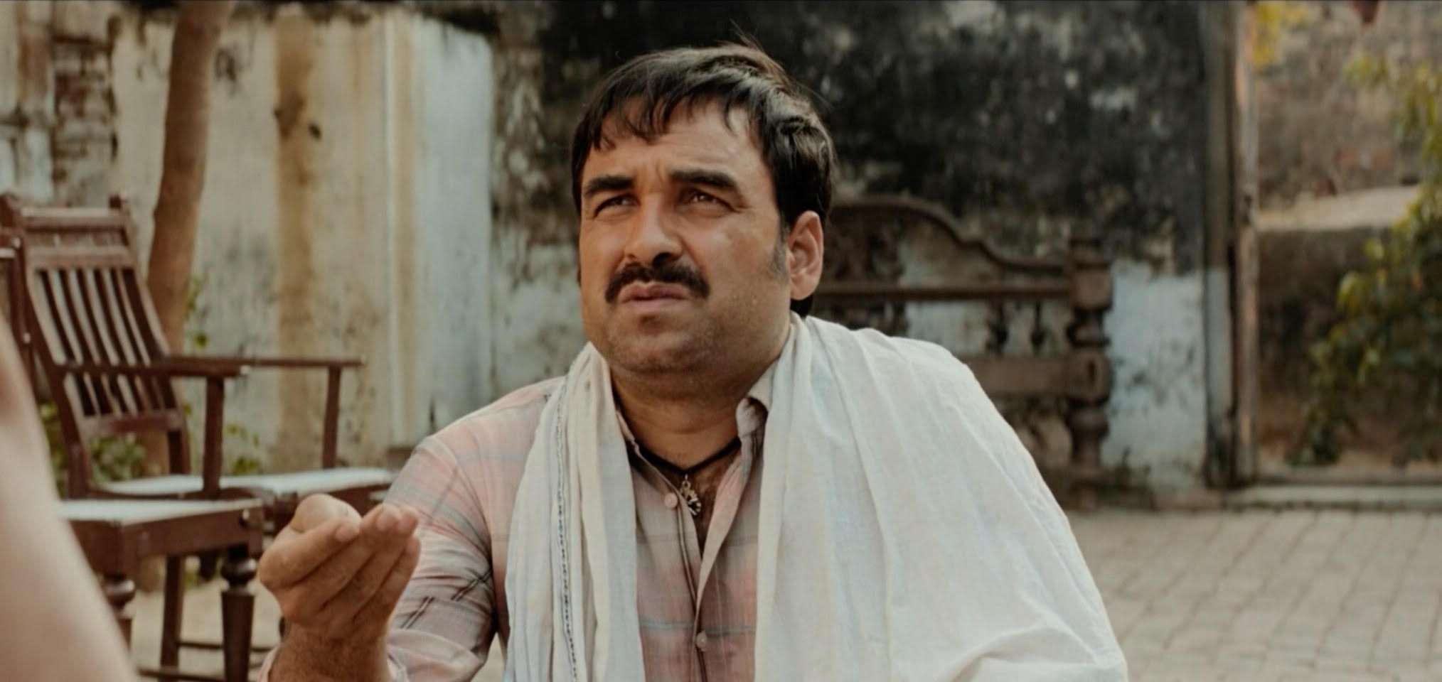 Kaagaz Review: This fight is with the government book making the person alive, Pankaj Tripathi again dominated