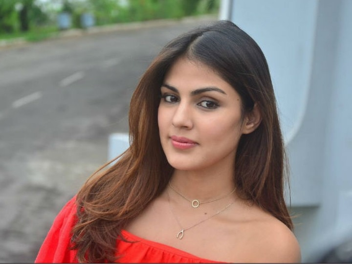 Rhea Chakraborty's life getting normal, seen at a birthday party with friends, photos taken
