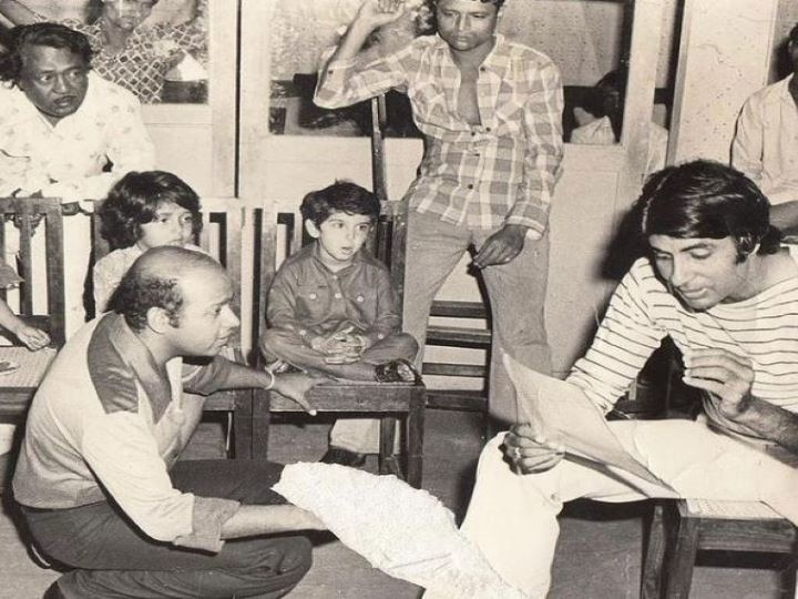Amitabh Bachchan shared a throwback picture with today's superstar on social media, who can identify who this star is