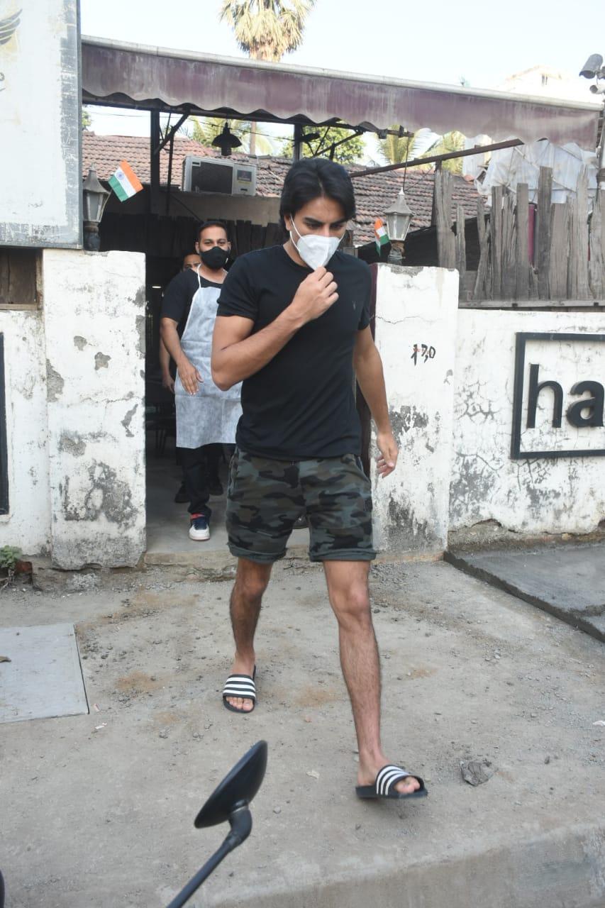 Saif's son Ibrahim Ali Khan photoshoot in silk sherwani, photos go viral