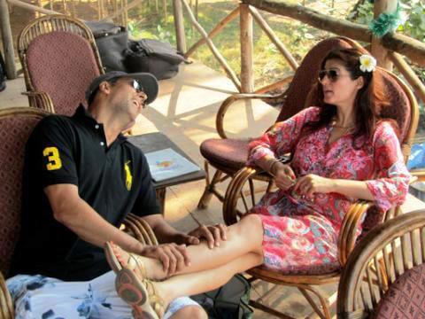 पत्नी Twinkle के साथ इस आलीशान घर में रहते हैं Akshay Kumar, अंदर से नहीं है किसी फाइव स्टार होटल से कम, देखें INSIDE तस्वीरें