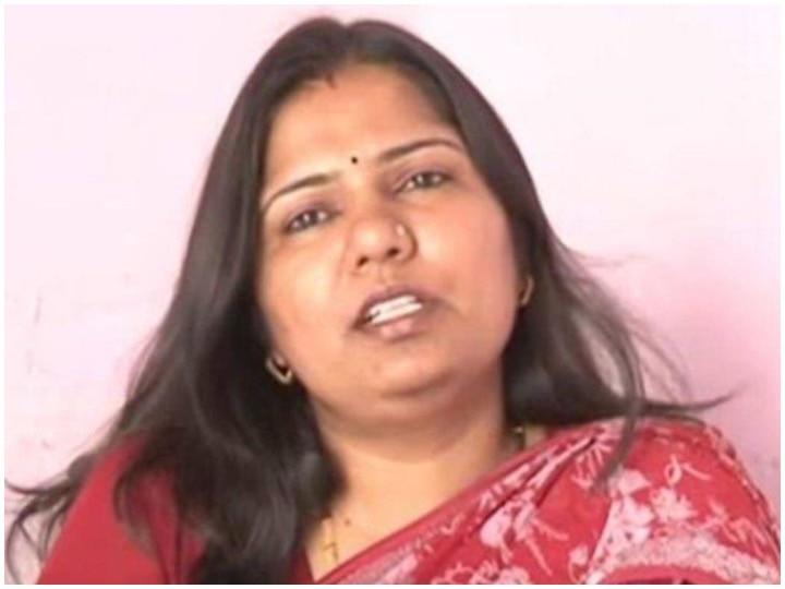 Success Story Of IAS Topper Pushp Lata Who Became IAS After Marraige And With A 2 Year Old Child