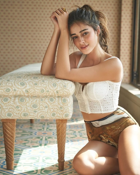 ananya panday bold and hot pictures goes viral