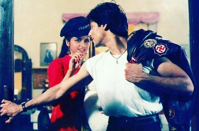 Happy Birthday Bhagyashree: सलमान के साथ पहली फिल्म थी ब्लॉकबस्टर लेकिन पति के लिए छोड़ दी एक्टिंग, 52 की उम्र में भी दिखती हैं बला की खूबसूरत