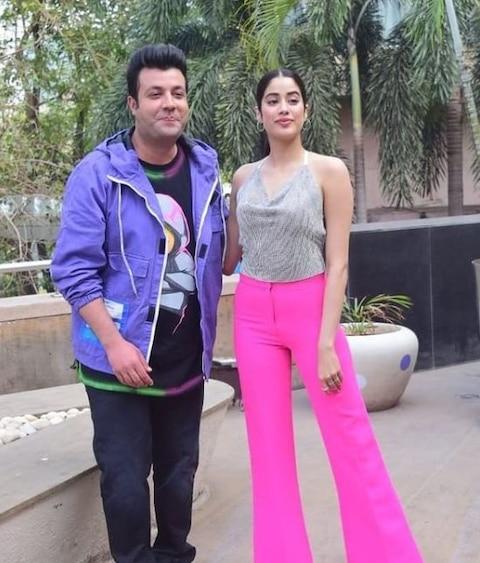 Too Hot To Handle! बैकलेस ड्रेस पहने मुंबई की सड़कों पर निकलीं Janhvi Kapoor, नजर ना हटा पाए ना बचा पाए देखने वाले