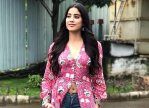 Sridevi did not want to bring Janhvi Kapoor into the film world, while sending her to London's acting school, she said - leaving Kamal in the mud