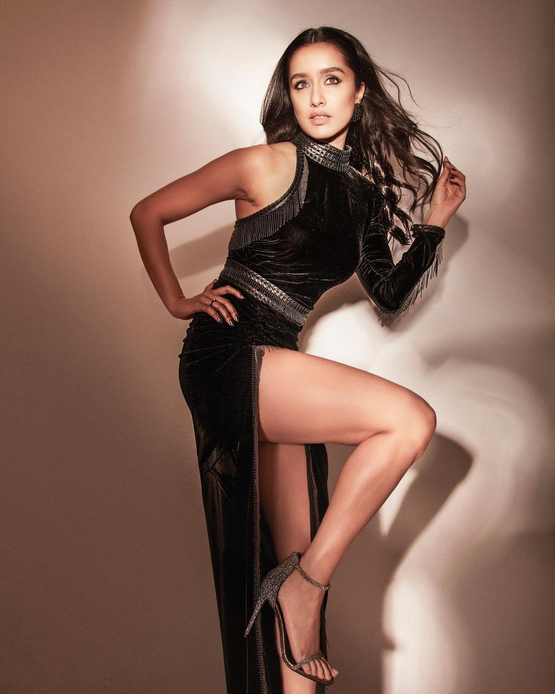Happy Birthday Shraddha Kapoor: तीन पत्ती से किया डेब्यू, 'आशिकी 2' से मिली पहचान, कई एक्टर्स से जुड़ा है श्रद्धा का नाम