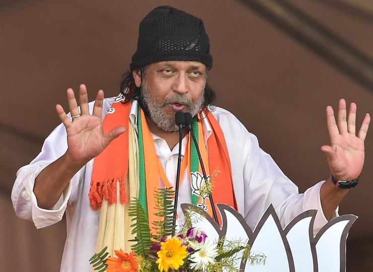 Kolkata: Mithun Chakraborty Joins BJP, Says I Am A Pure Cobra | बीजेपी में  शामिल होते ही मिथुन चक्रवर्ती बोले- 'मैं एक कोबरा हूं, लोगों को एक बार  में...'