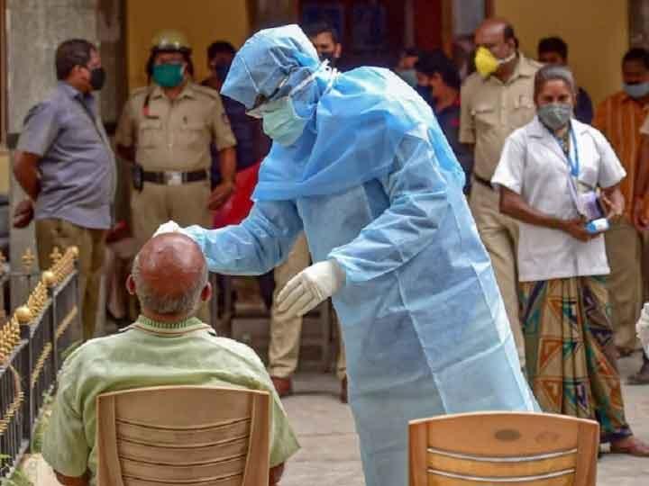 गोरखपुर: कोरोना के बढ़ते प्रकोप को लेकर अधिकारियों ने की बैठक, नाइट कर्फ्यू और सख्ती पर जल्द हो सकता है फैसला