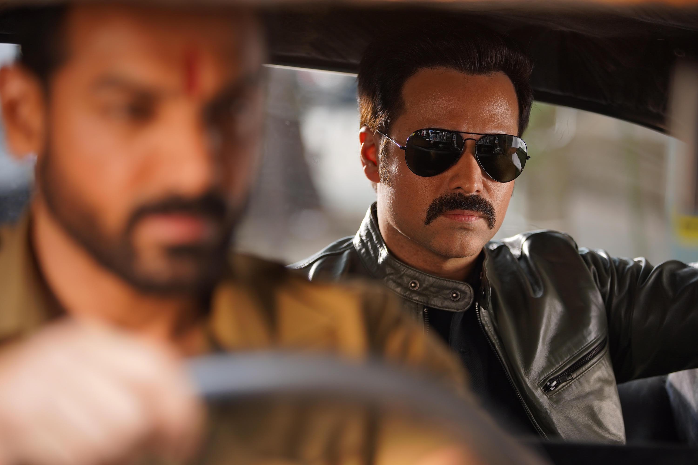 Mumbai Saga Review: जॉन अब्राहम और इमरान हाशमी के फैन्स के लिए है फिल्म, बाकी को दिखेगी कमजोरियां