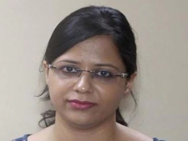 IAS Success Story: After Graduating From IIT Shanu Started Working In A Foreign Company Suddenly She Take Decision For UPSC