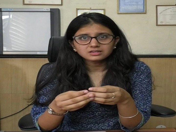 IAS Success Story: UPSC's Mind Set During Graduation And Navya Became IAS Officer In First Attempt