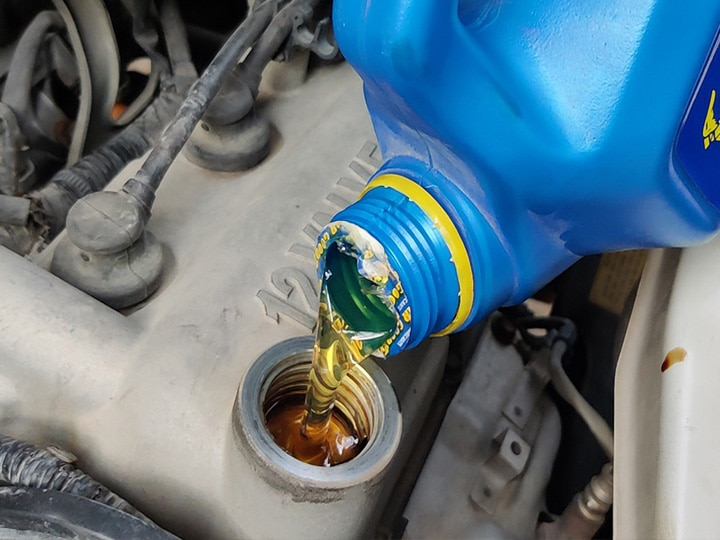 Consequences of not changing the engine oil regularly must know