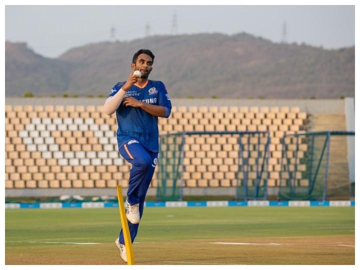 IPL 2021: मैदान में पसीना बहाते दिखे मुंबई इंडियंस के खिलाड़ी, नेट प्रैक्टिस में अर्जुन तेंदुलकर आए नजर