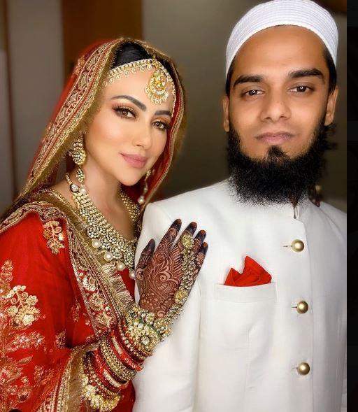 Sana Khan spent full time with her husband Anas Syed on Dubai Vac, actress shared many photos
