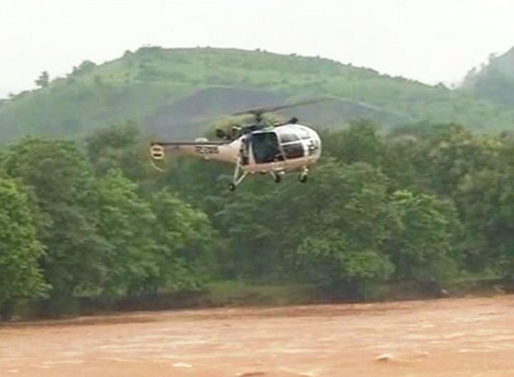 Helicopter crashes in Kathua Jammu Kashmir, falls in Ranjit Sagar Dam