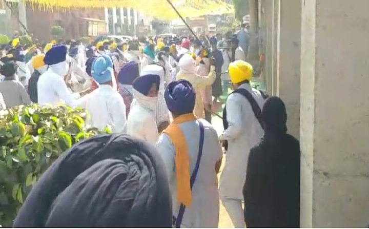 Clashes between Sikh organizations and Shiromani Committee task force in Amritsar