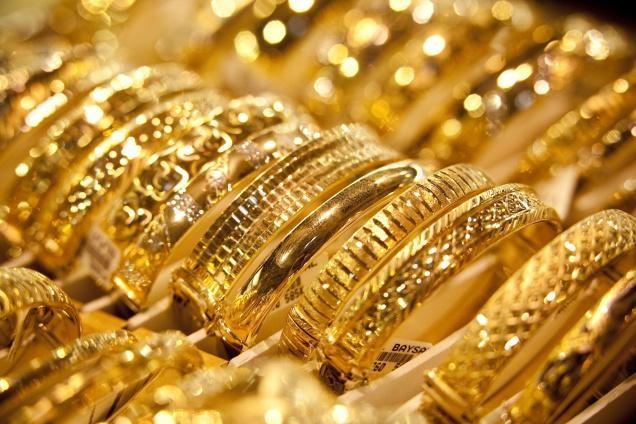 सोने के दाम में दर्ज हुई गिरावट, जानें आज के गोल्ड-सिल्वर के भाव