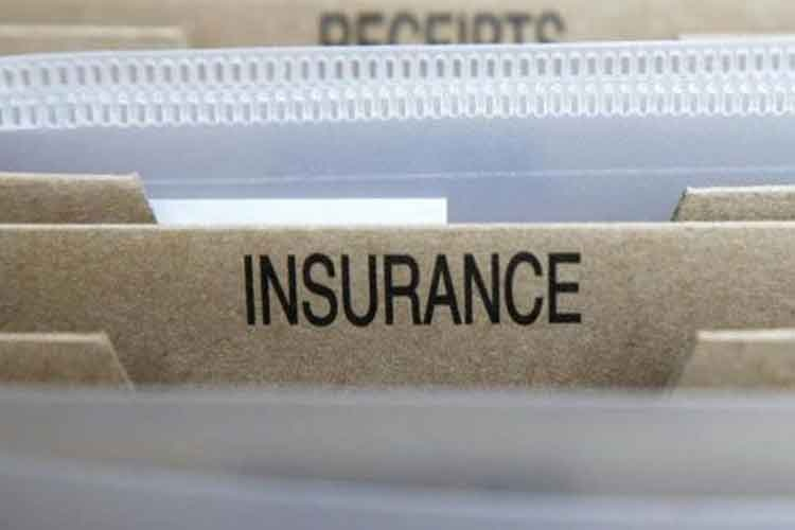 इंश्योरेंस कंपनियों का मोटर इंश्योरेंस और फसल बीमा कारोबार गिरा,  हेल्थ इंश्योरेंस 11 फीसदी बढ़ा