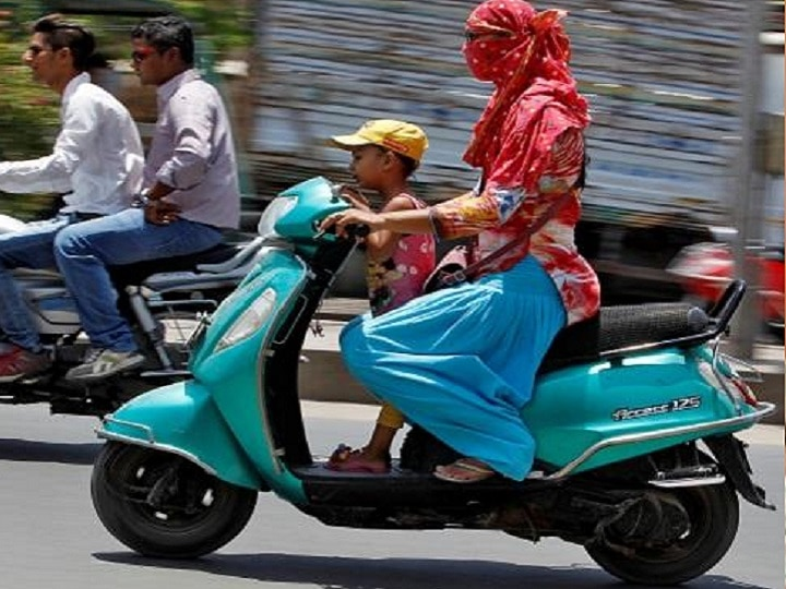 Now compulsory helmet and mirror in two whaler for driving license in Gujarat